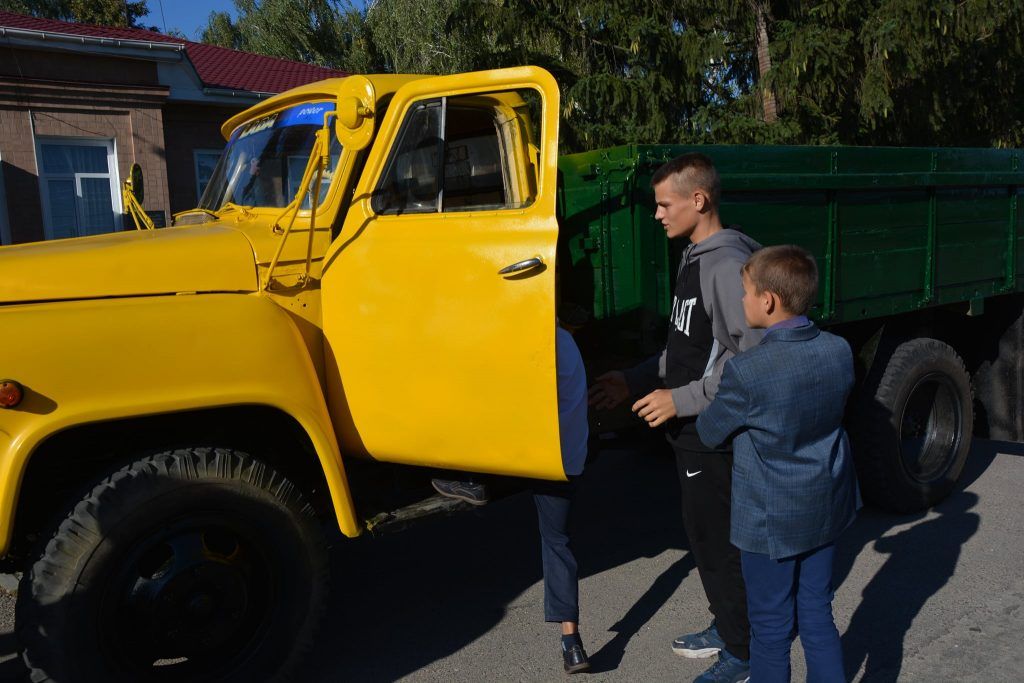 Пастору в селі на Черкащині подарували машину