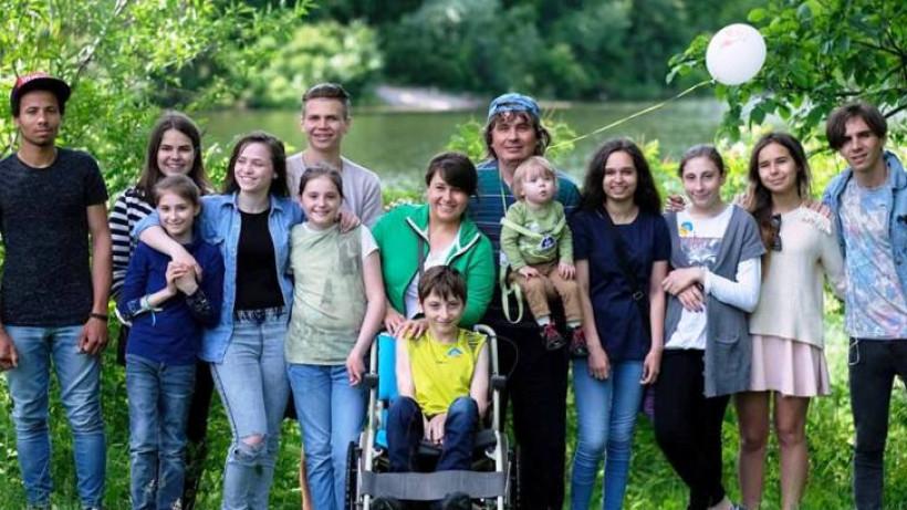 Батько 12-ти дітей Сергій Гедз: «Усиновлюючи дитину робиш її своєю»