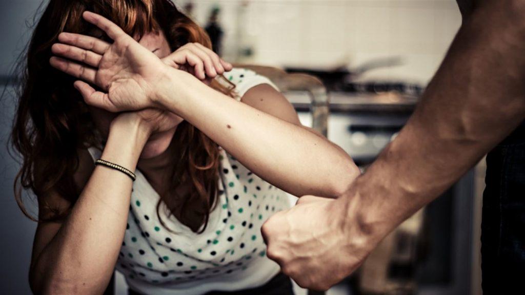 Він ледь не задушив мене - домашнє насилля та як з ним боротись. Говорять Черкащани