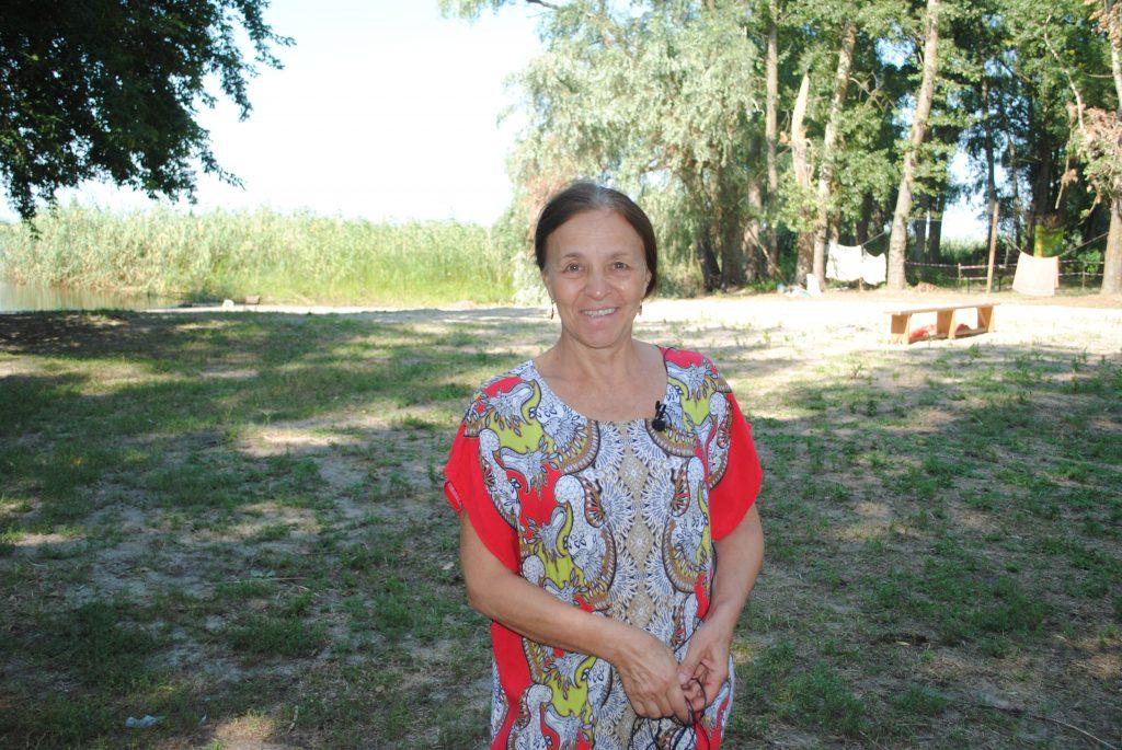 Християни під Черкасами облаштовують територію на Дніпрі, аби  проводити безкоштовні табори